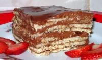 Torta húmeda con galletas de vainilla
