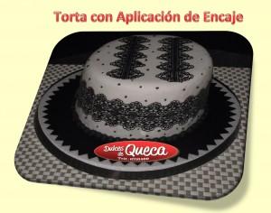 Torta con aplicación de encaje