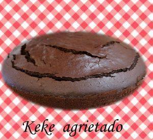keke-agrietado-con-panza-de-chocolate